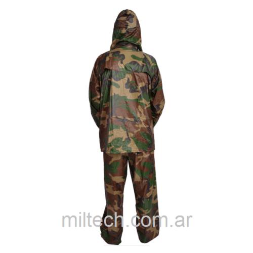 Conjunto de Campera y pantalón impermeable camuflado  Lembu